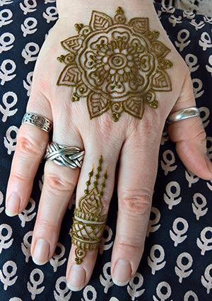 AfterCareHandHenna2017_s.jpg